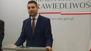 Patryk Jaki Sekretarz Stanu w Ministerstwie Sprawiedliwości Ochrona dobrego imienia Polski – nowe przepisy fot. ŚWIECZAK