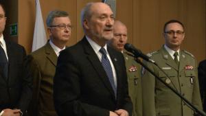 Antoni Macierewicz Minister Obrony Narodowej 100 dni dobrych zmian w Ministerstwie Obrony Narodowej fot. ŚWIECZAK