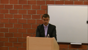 Dr hab. Paweł Wajda, XVII Konferencja Wydziałowa pt.: ŹRÓDŁA PRAWA. TEORIA I PRAKTYKA fot. ŚWIECZAK