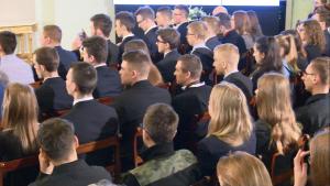 Lekcja historii z udziałem młodzieży licealnej ze szkół im. rtm. Witolda Pileckiego fot. ŚWIECZAK