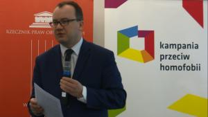 """dr Adam Bodnar Rzecznik Praw Obywatelskich Konferencja """"Pełny dostęp do ochrony zdrowia. Potrzeby i prawa zdrowotne osób LGBT"""" fot. ŚWIECZAK"""