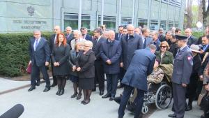 Odsłonięcie tablicy upamiętniającej Szefów BBN – ministra Władysława Stasiaka i ministra Aleksandra Szczygło fot. ŚWIECZAK