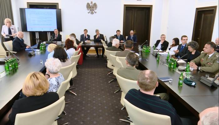 Konferencja z okazji 75. rocznicy pierwszego zrzutu cichociemnych do Polski fot. ŚWIECZAK