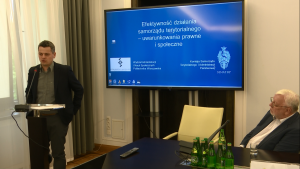 """Konferencja pt. """"Efektywność działania samorządu terytorialnego – uwarunkowania prawne i społeczne"""" fot. ŚWIECZAK"""