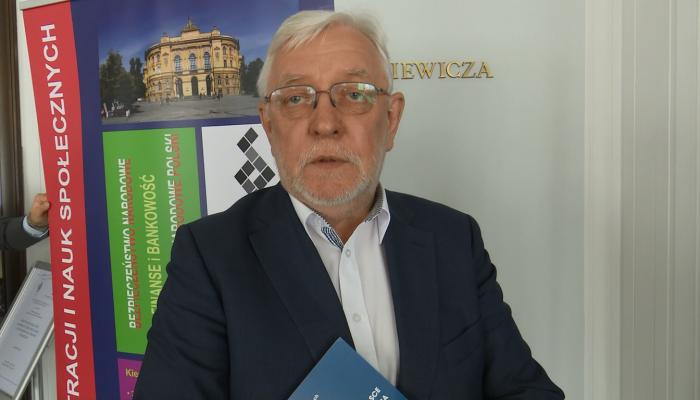 Jerzy Stępień, b. prezes Trybunału Konstytucyjnego o sporze wokół Trybunału Konstytucyjnego fot. ŚWIECZAK
