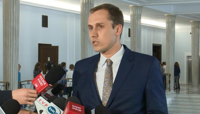 Partia KORWiN: Apelujemy do partii opozycyjnych, aby uczestniczyły w rozmowach  fot. ŚWIECZAK