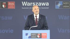 Macierewicz o rozpoczynającym się Szczycie NATO fot. ŚWIECZAK