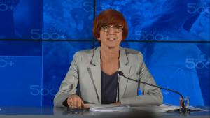 """Elżbieta Rafalska Premier Beata Szydło podsumowała trzy miesiące funkcjonowania programu """"Rodzina 500+"""" fot. ŚWIECZAK"""