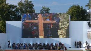 Droga Krzyżowa na Błoniach z udziałem Ojca Świętego Franciszka fot. ŚWIECZAK