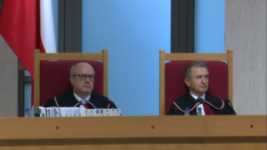 TK: ustawa PiS o Trybunale Konstytucyjnym częściowo niezgodna z konstytucją fot. ŚWIECZAK