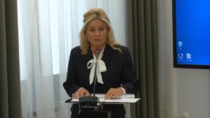 """prof. nzw. dr hab. Anna Gołębiowska, Seminarium pt:""""Funkcjonowanie Służby Celnej w Polsce"""" fot. ŚWIECZAK"""