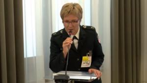 """podkom. Maria Mrugała, Seminarium pt:""""Funkcjonowanie Służby Celnej w Polsce"""" fot. ŚWIECZAK"""