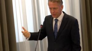 """Leszek Grzybowski, Seminarium pt:""""Funkcjonowanie Służby Celnej w Polsce"""" fot. ŚWIECZAK"""