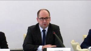 """wicemarszałek Adam Bielan Konferencja """"Doświadczenia stosowania ustawy o petycjach"""" fot. ŚWIECZAK"""