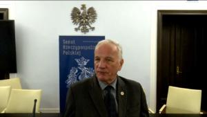 """Senator Jan Rulewski, wiceprzewodniczący Komisji Praw Człowieka, Praworządności i Petycji, Konferencja """"Doświadczenia stosowania ustawy o petycjach"""" fot. ŚWIECZAK"""