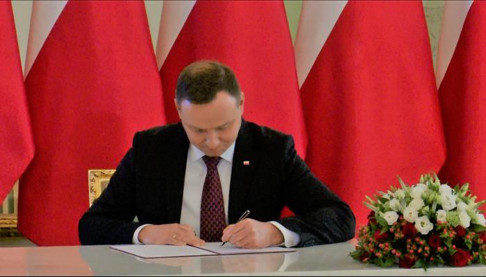 Prezydent podpisał tzw. ustawę o kwocie wolnej od podatku fot. ŚWIECZAK