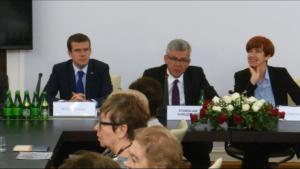 """Konferencja w Senacie z okazji Ogólnopolskiego Dnia Seniora pt.:""""Aktywne, Zdrowe Starzenie"""" fot. ŚWIECZAK"""