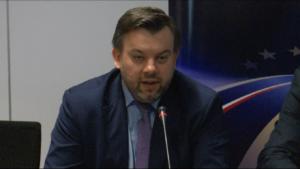 Przemysław Gorgol, p.o. Dyrektor Centrum Unijnych Projektów Transportowych, Uroczyste podpisanie umów o dofinansowanie z funduszy europejskich dla pięciu nowych inwestycji w sektorze transportu fot. ŚWIECZAK