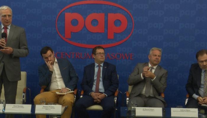 """Debata pt:"""" Bezpieczeństwo surowcowe Polski – Ropa i Gaz dla Polski"""" Fot. ŚWIECZAK"""